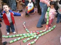 Algeciras, Arrastre de latas