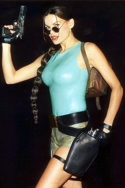 Lara Weller Nude Photos 42