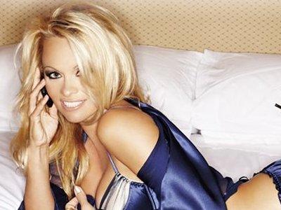 Pamela Anderson protagonista de la campaña publicitaria del Nokia N8
