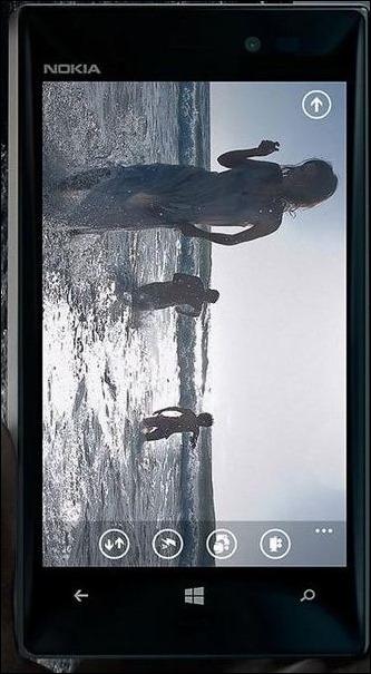 Nokia-Lumia 928-01