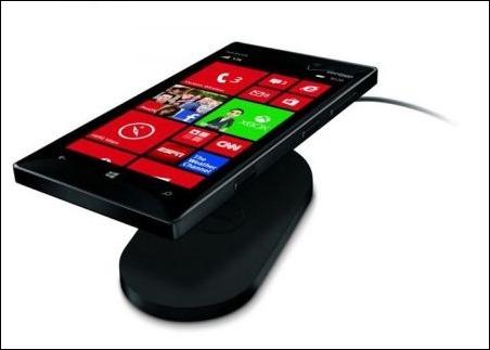 Nokia-Lumia-928-02