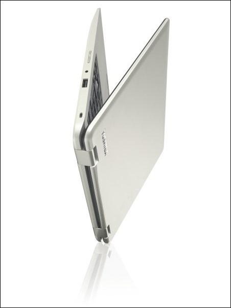 Satellite Radius 11_L10W-B_Laptop mode_beauty_03