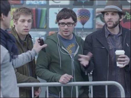 """Los 6 últimos anuncios de Samsung """"calentando"""" a Apple"""