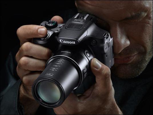 PowerShot-SX-60-HS-Lifestyle-02