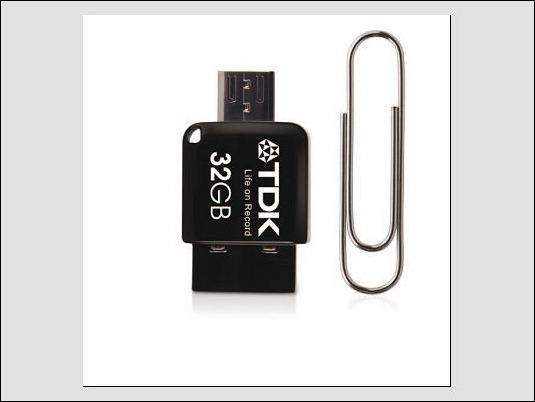 TDK 2 en 1 mini Flash Drive … Ahora será más fácil pasar contenidos del móvil al PC (o al revés)