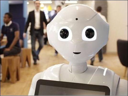 Pepper, el robot que lee emociones saldrá a la venta en 2015