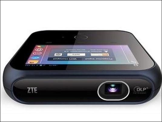 """#CES2015: ZTE presenta proyector portátil con Hotspot móvil y pantalla de 4"""""""