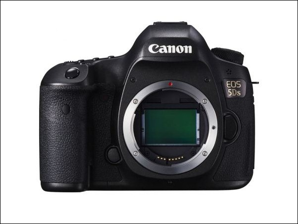 EOS-5DS-BODY-up-FRT_LOWRES