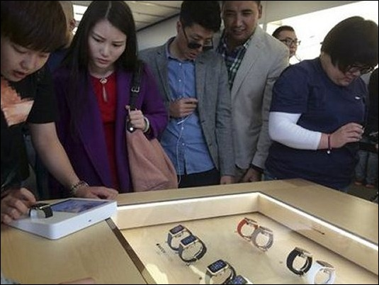 Gran demanda inicial del Apple Watch retrasa entrega de relojes hasta junio