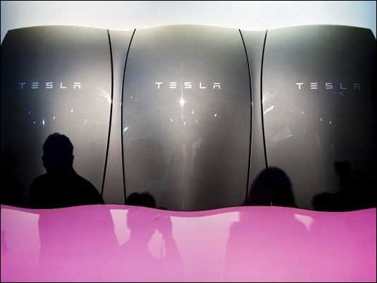 Tesla vende 35 mil unidades de la batería solar que desconectará el hogar del sistema eléctrico