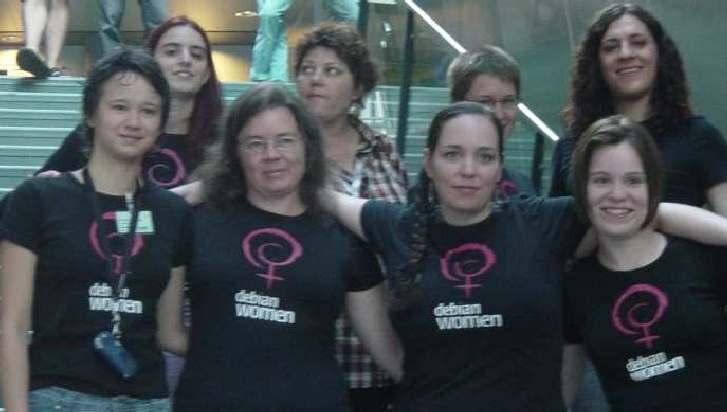 Integrantes de Debian Women en la Conferencia de Debian 2005