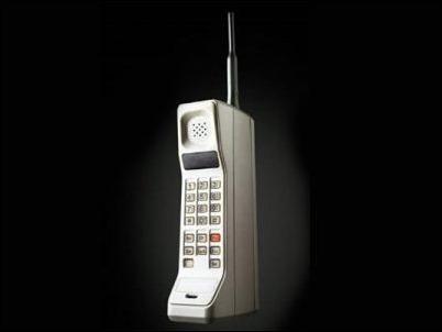 La primera conversación por teléfono móvil cumple 42 años