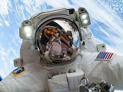 selfie-espacial