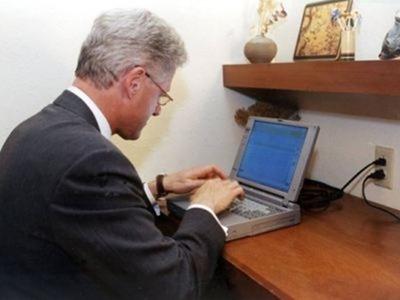 portatil-email-bill-clinton