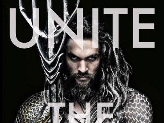"""Esta es e poster del nuevo Aquaman, """"rey de los 7 mares"""", que se estrenará en 2016"""