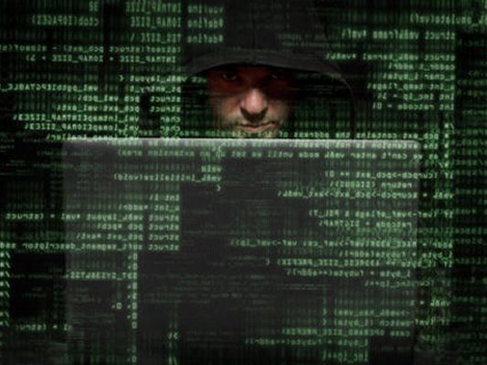piratas_informaticos-robo_millonario_hackers-imagen_hacker-hacker_codigo