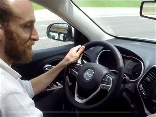 """""""Hackers"""" demuestran que pueden tomar el control de vehículos de última generación"""
