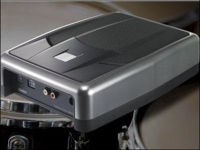 Clarion Subwoofer SRV250: Una caja amplificadora de bajos de 150 W para marcar el ritmo en tu coche.