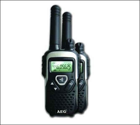 Walkie talkie R320 de AEG, alcance de hasta 10 Km.