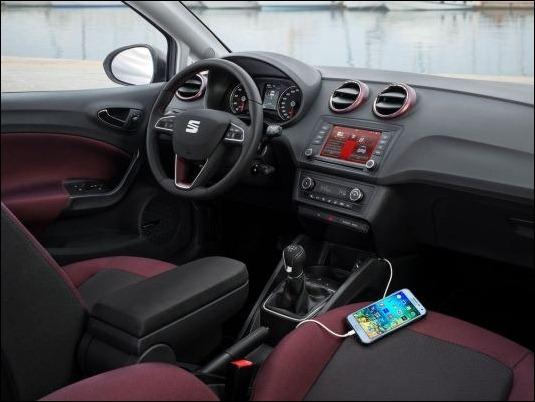 Samsung y SEAT firman un acuerdo para llevar la conectividad móvil a los nuevos modelos Ibiza